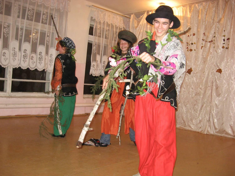insaneogutexon Мода на о�енний бал ко���м�